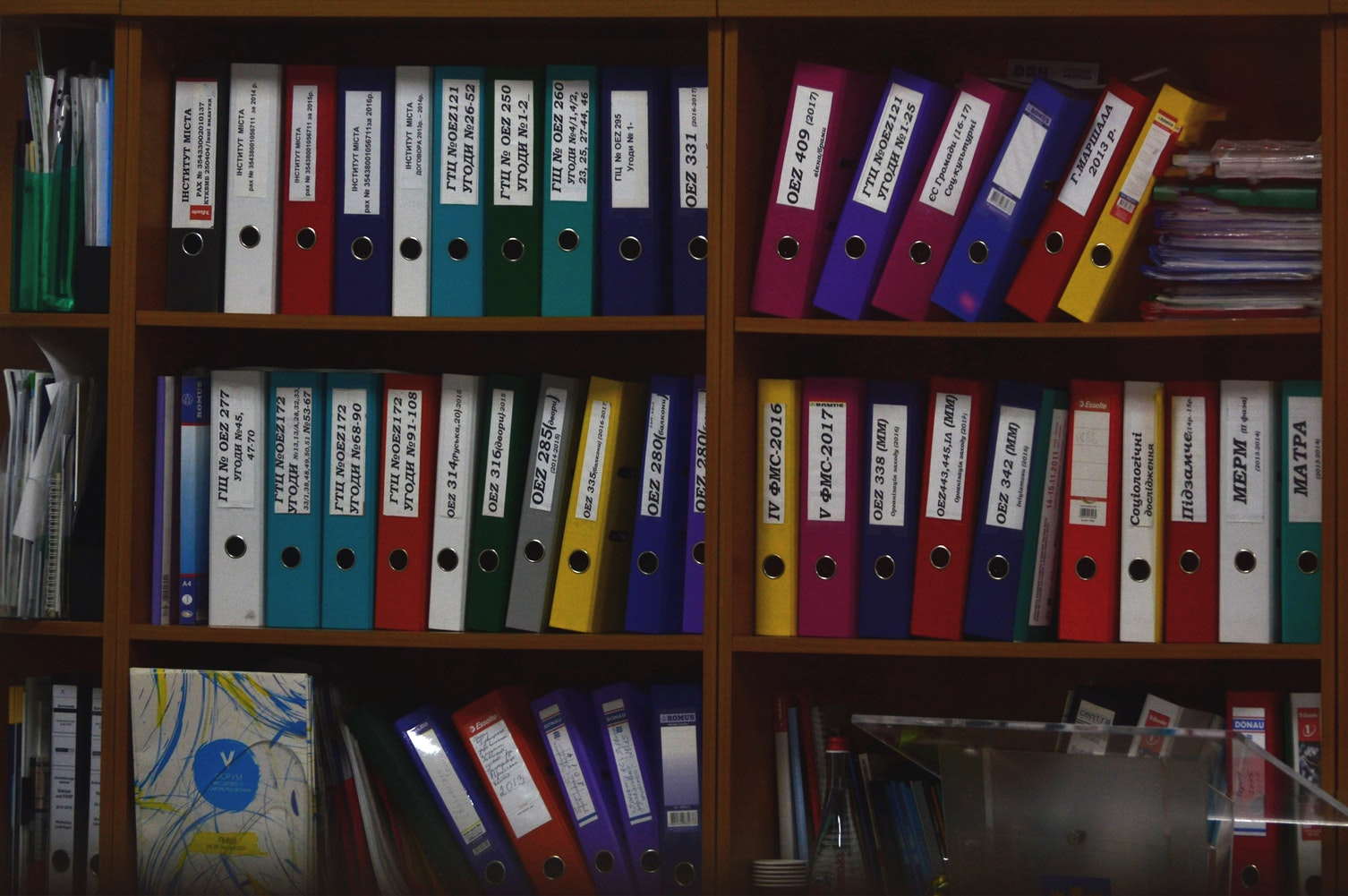 Phương tiện và thiết bị lưu trữ kho hồ sơ